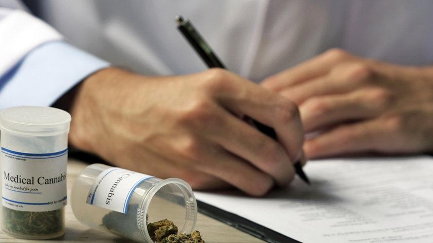 Pierwszy w Polsce proces o odmowę leczenia marihuaną