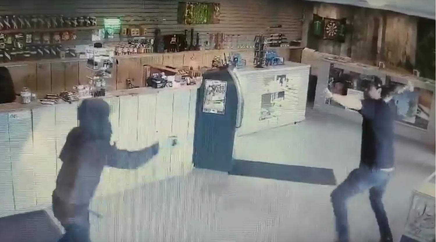 bronił się przed napadem szklanym bongiem